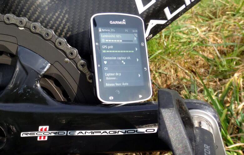 Garmin Edge étendu devant Support de vélo-Neuf dans la boîte