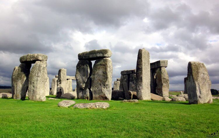 stonehenge_web.jpg