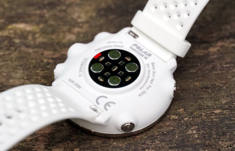 Tout savoir sur la montre multisport Polar Vantage M - nakan.ch